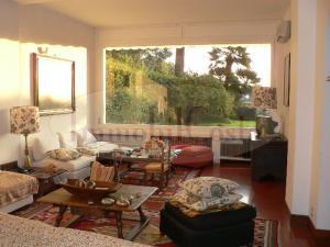 Appartamento in villa d'epoca con accesso carrabile  privato giardino privato