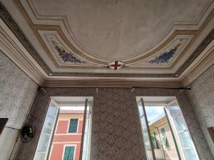 Appartamento centro storico in casa d'epoca alla genovese 106 mq  ad euro 173.000,00